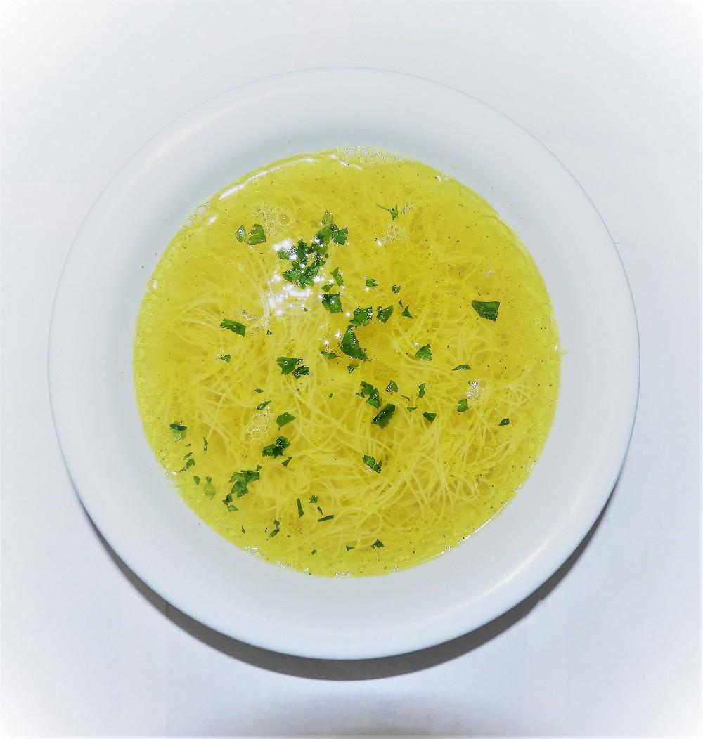 Supă de pui cu tăiței de casa